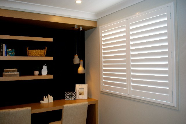 British design Wholesale PVC plantation shutters with factory price