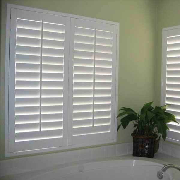 Chinese Supplier Faux wood cafe style shutters